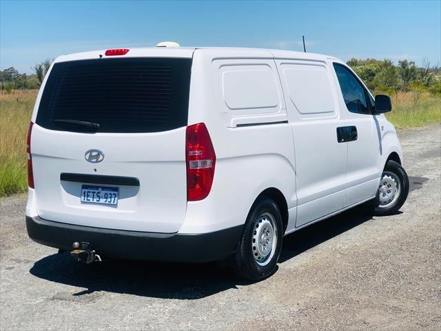 2015 Hyundai iLoad TQ2-V MY15 Creamy White