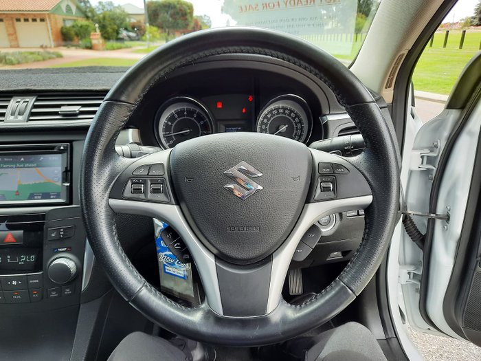 2015 Suzuki Kizashi Sport FR MY14 AWD Snow White Pearl