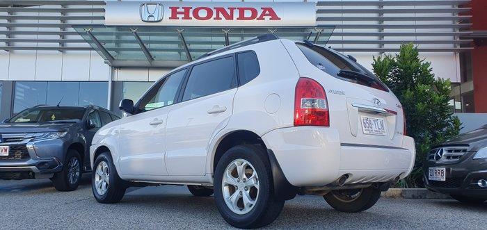 2009 Hyundai Tucson SX JM MY09 4X4 On Demand WHITE