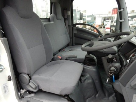2017 Isuzu NLR 45-150 MANUAL TRAYPACK