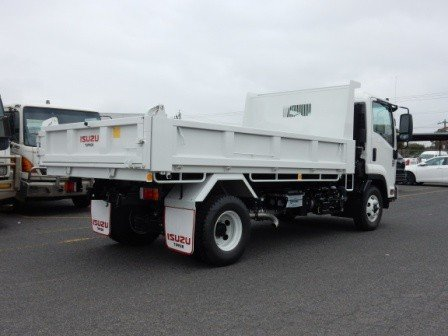 2017 Isuzu FRR 107-210 MANUAL TIPPER