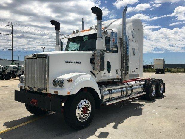 2017 Western Star 4964FXT