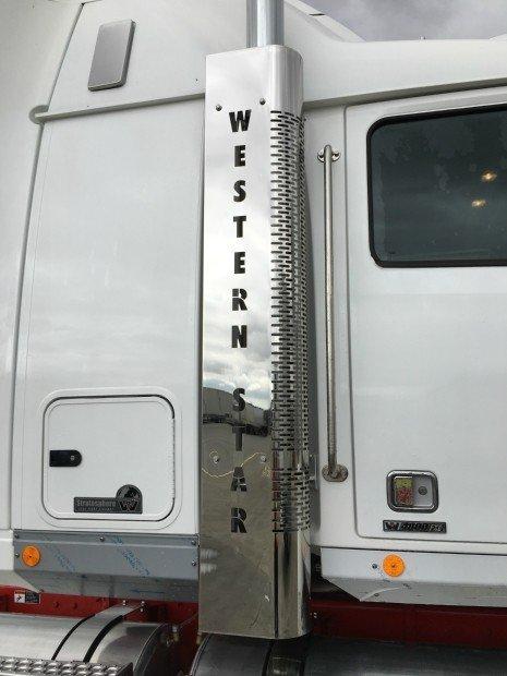 2017 Western Star 4864FXB