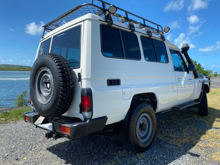 2009 Toyota Landcruiser Workmate Troopcarrier VDJ78R 4X4 Dual Range WHITE