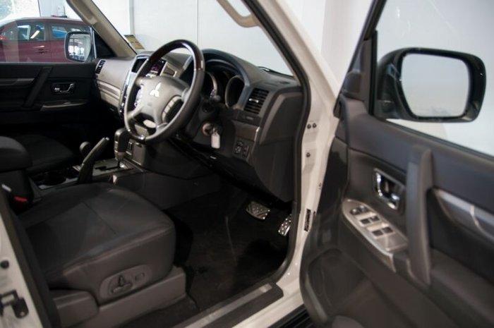 2016 Mitsubishi Pajero