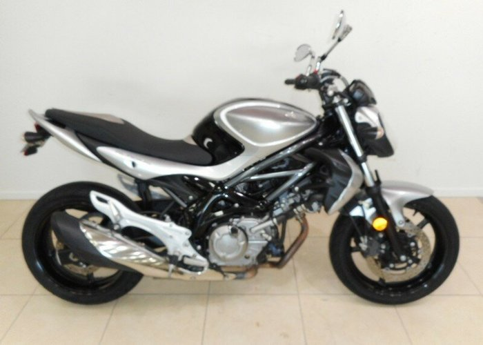 2010 Suzuki Gladius Learner Approved