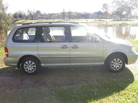 2004 KIA CARNIVAL