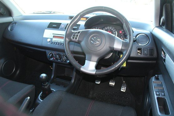 2008 SUZUKI SWIFT