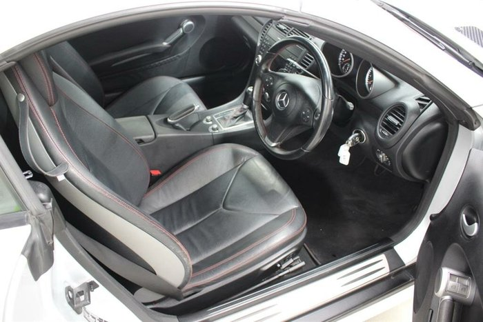 2010 Mercedes-Benz SLK300