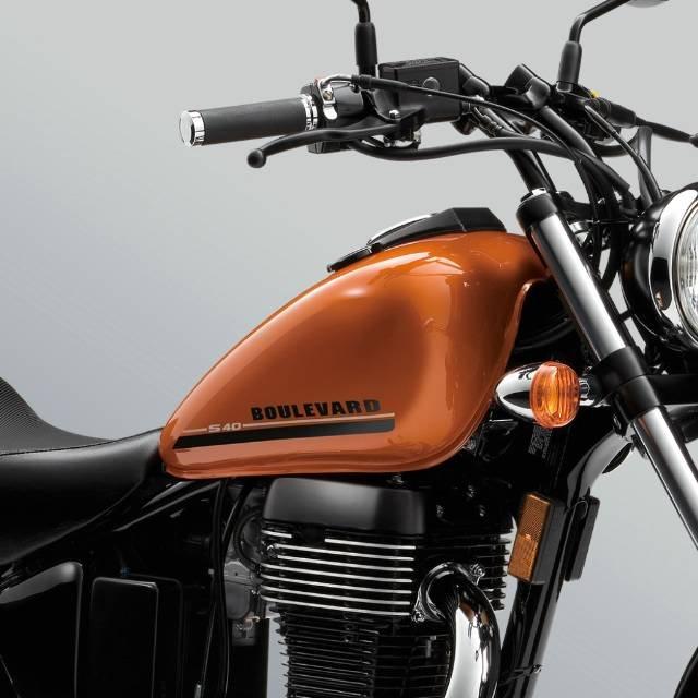 2017 SUZUKI BOULEVARD S40 (LS650)