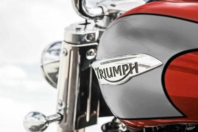 2016 TRIUMPH THUNDERBIRD COMMANDER
