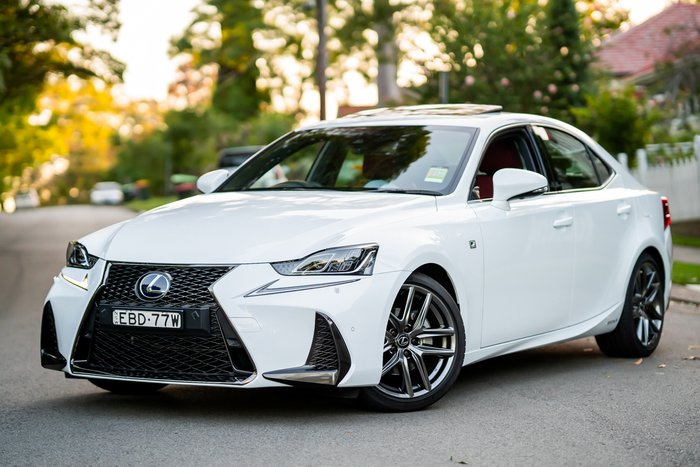 2018 Lexus IS IS300h F Sport AVE30R WHITE