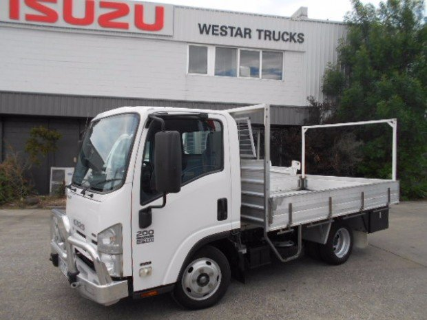 2010 Isuzu NLR200 ISUZU NLR200 TRAY 2010 MODEL