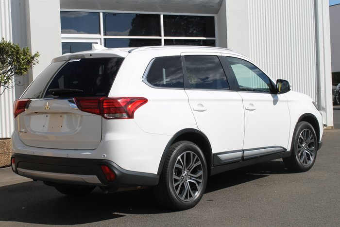 2016 Mitsubishi Outlander LS ZK MY16 4X4 On Demand WHITE