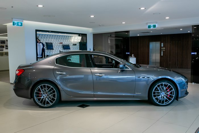 2018 Maserati Ghibli V6 Turbo GranSport MY19 Grigio Maratea (Metallescent)