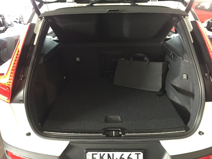 2020 Volvo XC40 Recharge Plug-In Hybrid MY21 Crystal White Pearl