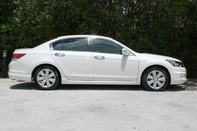 2010 HONDA ACCORD V6 LUXURY 8TH GEN MY10 BRILLIANT WHITE