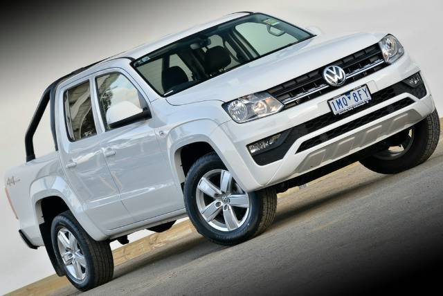 2017 VOLKSWAGEN AMAROK TDI420 CORE PLUS DUA 2H MY18 CANDY WHITE