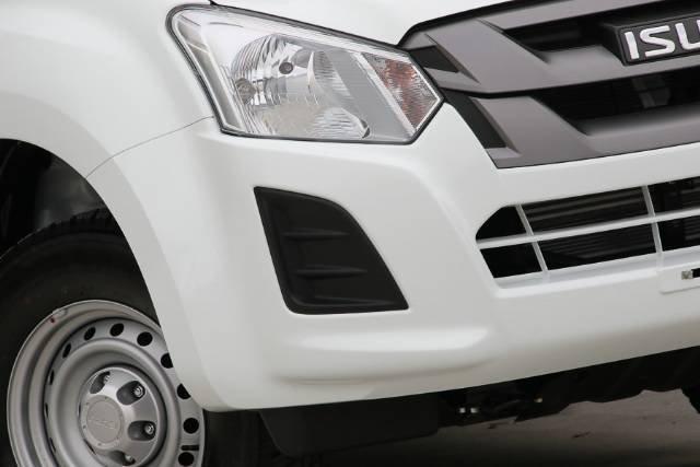 2017 ISUZU D-MAX 4x4 SX EXTENDED CAB MY17 SPLASH WHITE