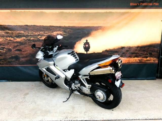 2010 HONDA VFR800FI Road SILVER