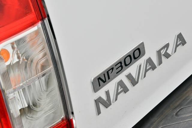 2017 NISSAN NAVARA ST DUAL CAB D23 S2 POLAR WHITE