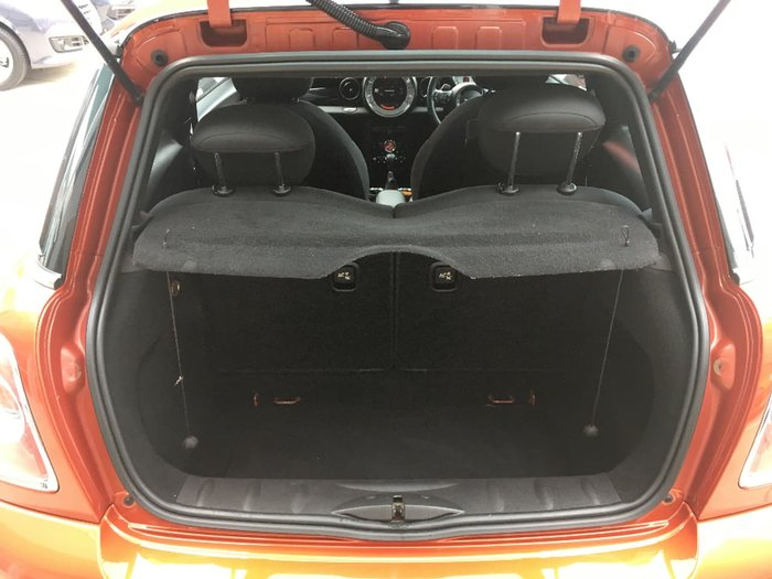 2011 MINI HATCH COOPER D R56 LCI Orange