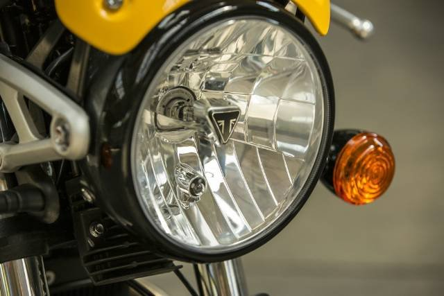 2017 TRIUMPH STREET CUP ROAD YELLOW