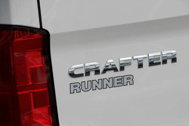 2018 VOLKSWAGEN CRAFTER TDI340 RUNNER MWB SY1 MY18 CANDY WHITE