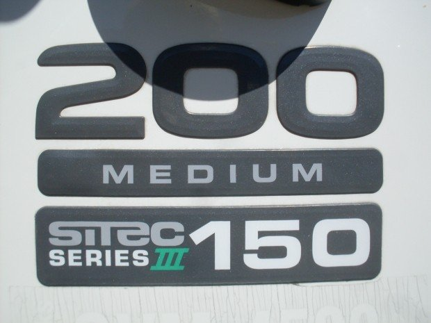 2014 Isuzu NLR200 TABLE TOP RACKS WHITE