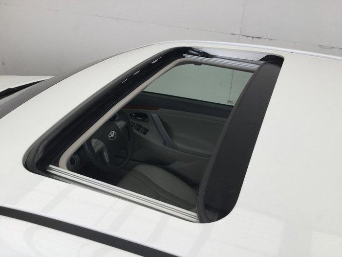 2011 TOYOTA AURION PRESARA GSV40R White