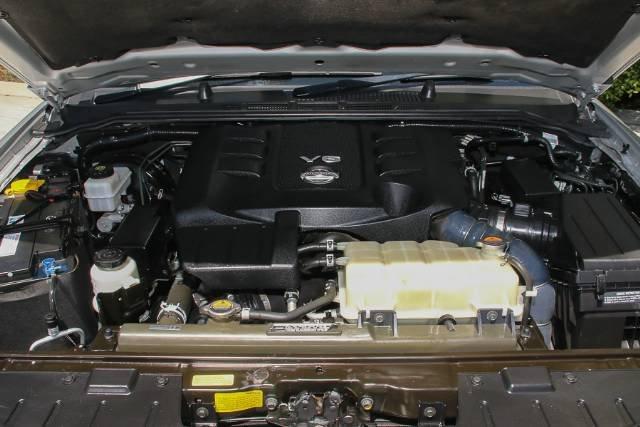 2012 NISSAN NAVARA ST-X 550 D40 S5 MY12 BRILLIANT SILVER