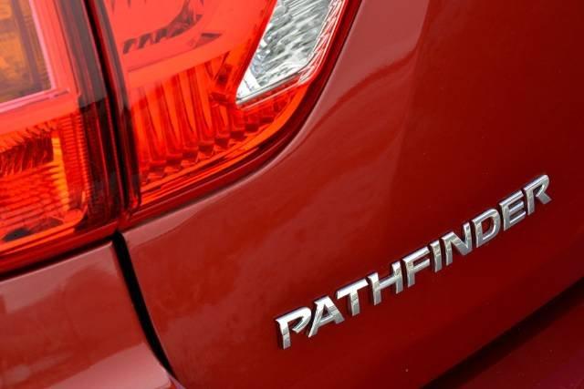 2017 NISSAN PATHFINDER ST-L R52 SERIES II MY17 CAYENNE RED