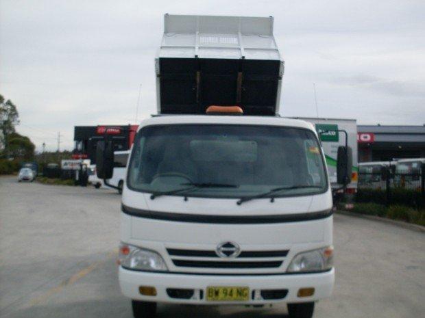 2009 Hino 816 - 300 Series HINO 816 TIPPER TOOL BOX WHITE