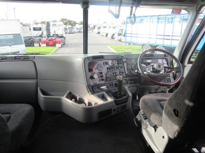 2010 Freightliner Argosy 110 CAB