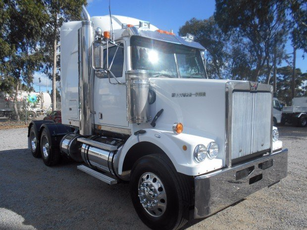 2007 Western Star 4864FX WHITE