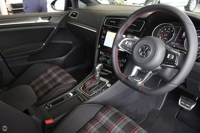 2017 VOLKSWAGEN GOLF GTI 7.5 Black