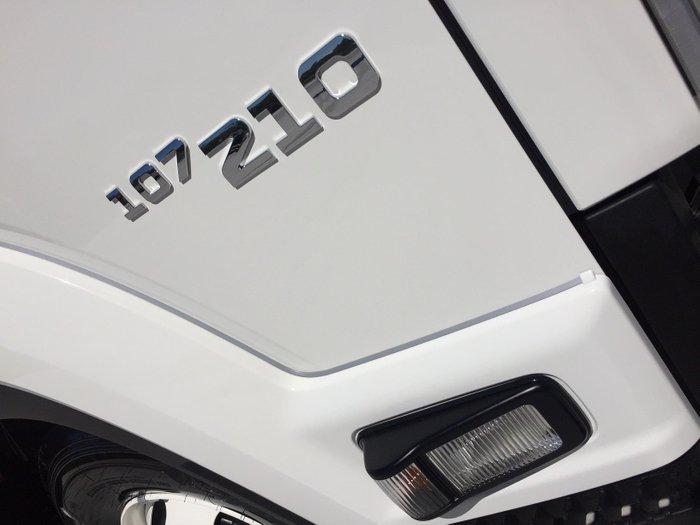 0 Isuzu FRR 107-210