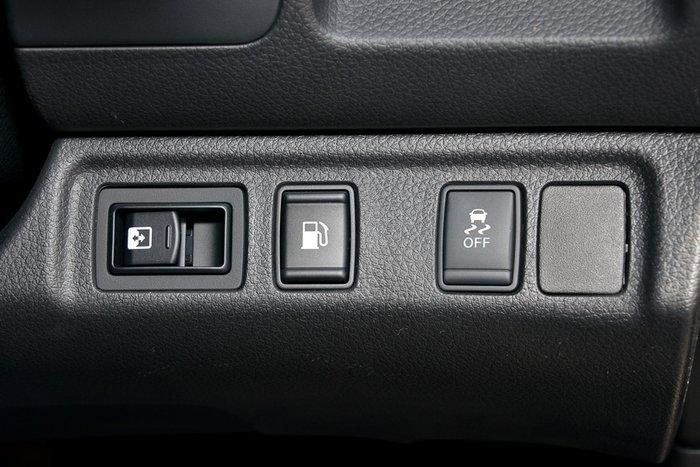 2018 NISSAN NAVARA ST-X DUAL CAB D23 S3 BRILLIANT SILVER