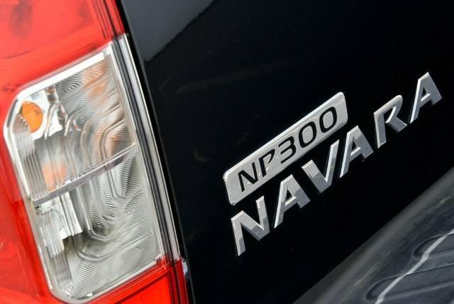 NISSAN NAVARA ST DUAL CAB D23 S3 BLACK