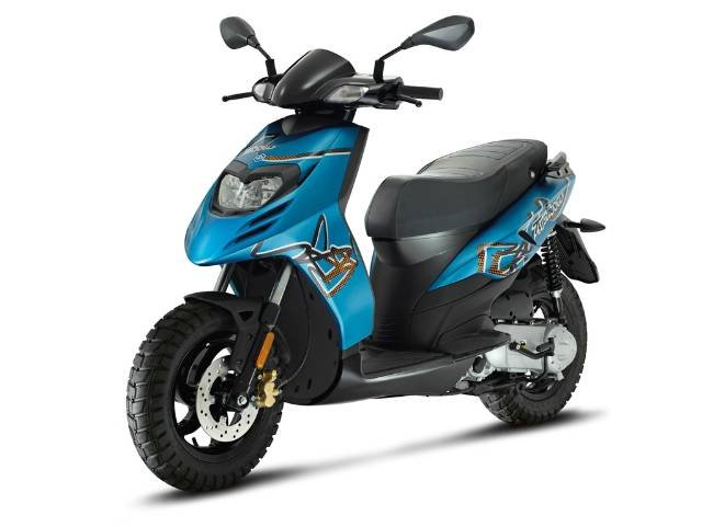 2017 PIAGGIO TYPHOON 50 SCOOTER BLUE