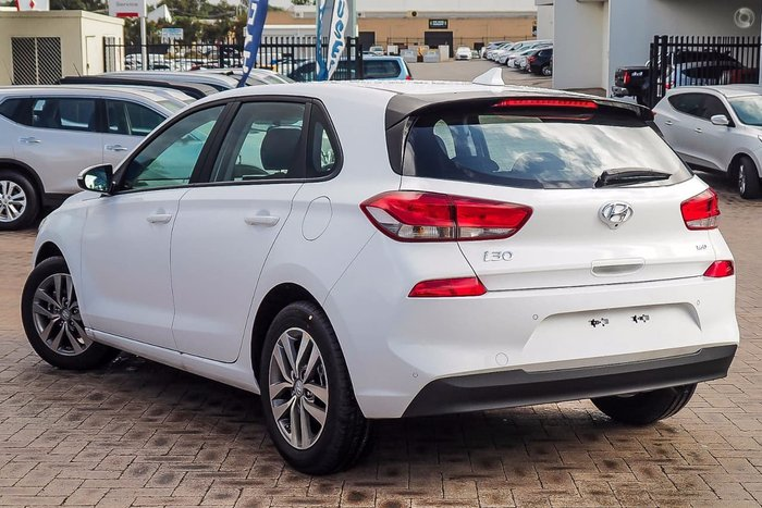 2017 HYUNDAI I30 ACTIVE PD White
