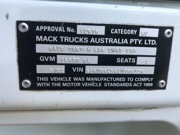 2002 Mack QANTUM qantum WHITE