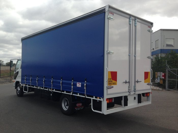 2017 Fuso Fighter 1024 White/Blue Curtains