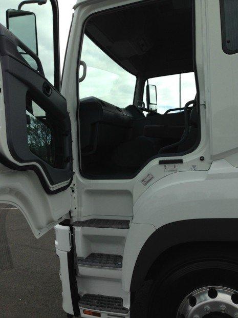 2018 Fuso FV54 White