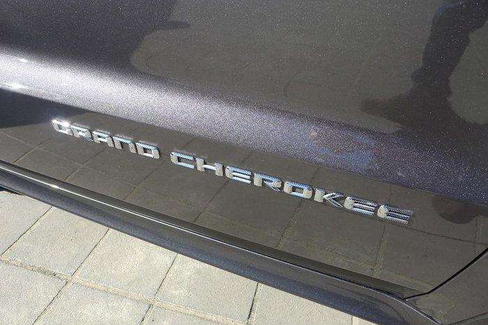 2013 JEEP GRAND CHEROKEE SRT WK Grey