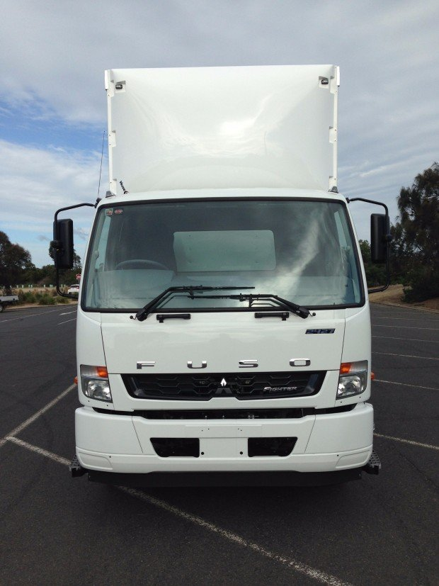 2018 Fuso Fighter 2427 White Curtains