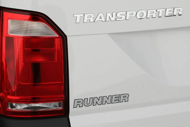 2018 VOLKSWAGEN TRANSPORTER TDI250 RUNNER T6 MY18 CANDY WHITE