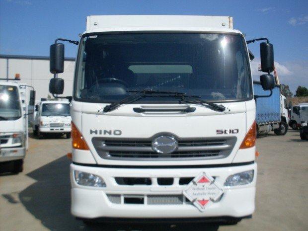 2013 Hino GH 1728-500 Series HINO 10 PALLET CURTAINSIDER WHITE