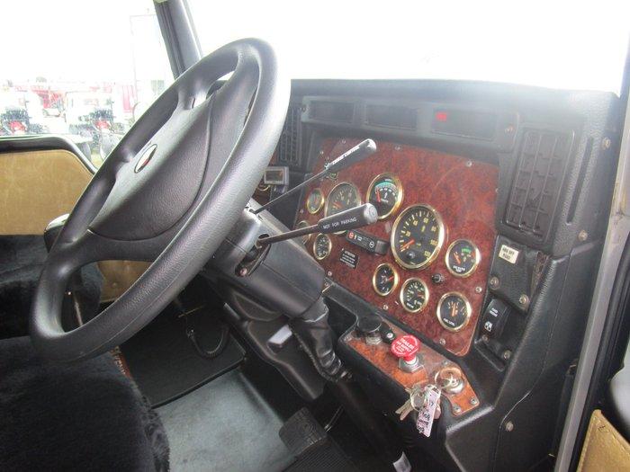 2008 Kenworth T608