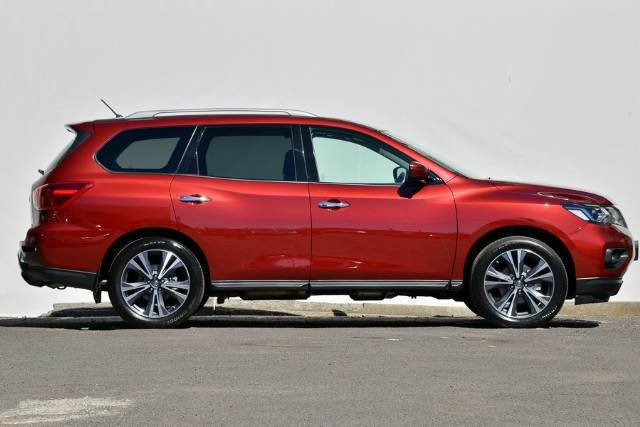 2017 NISSAN PATHFINDER TI R52 SERIES II MY17 CAYENNE RED